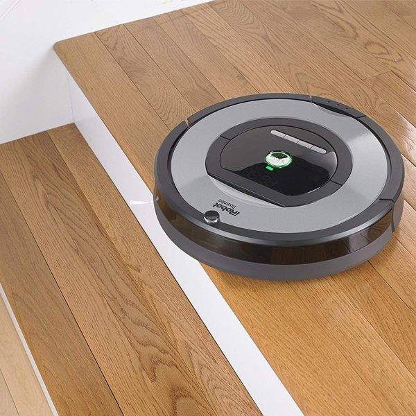 iRobot-Roomba-772e-scale